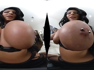 VR porn with busty MILF Raven Hart